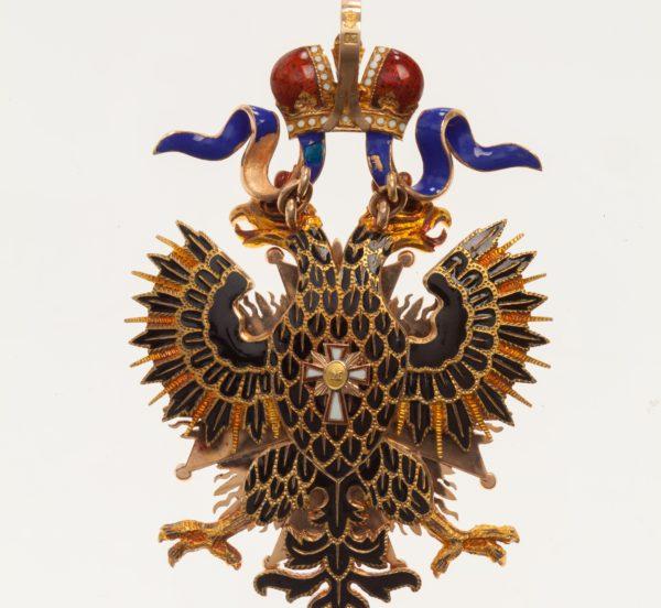 обратная сторона знака ордена Белого Орла